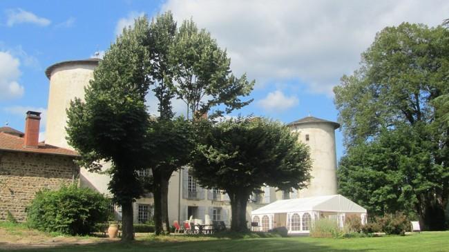Chateau le Chapiteau !